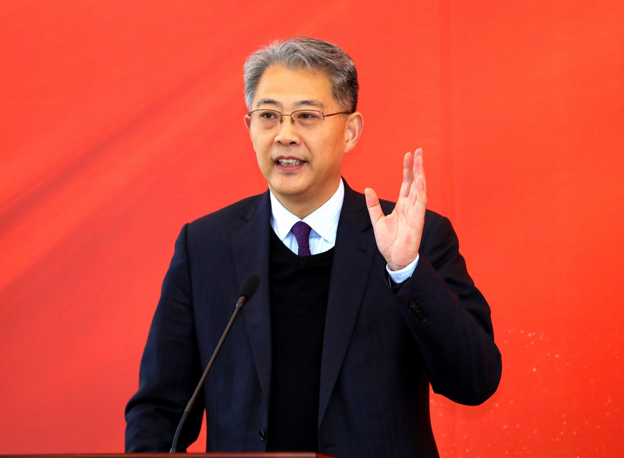 我國光大集團黨委書記、董事長李曉鵬新春致辭